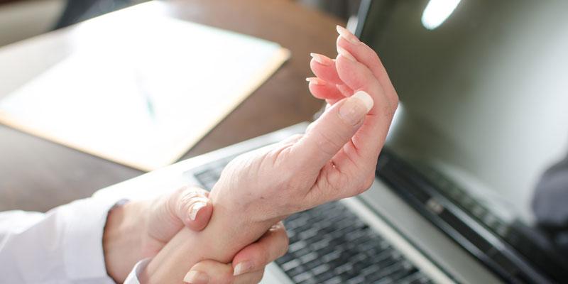 image of wrist pain